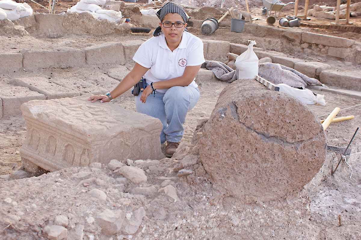 Hoy es arqueóloga en Magdala