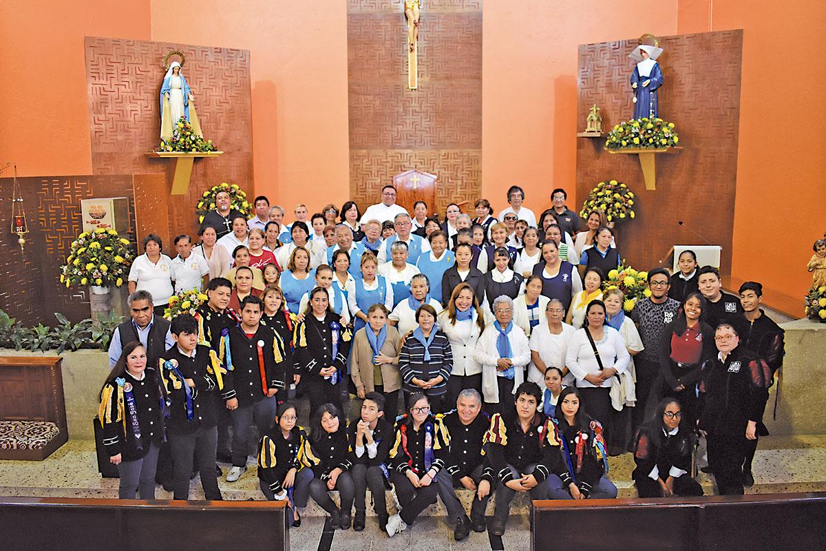 Comunidad de la Parroquia de Santa Catalina Labouré. Foto Ricardo Sánchez