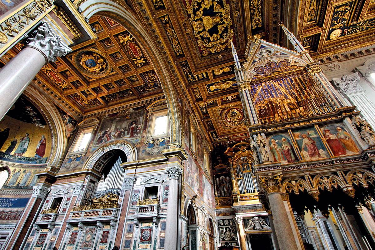 Interior de la Basílica de San Juan de Letrán