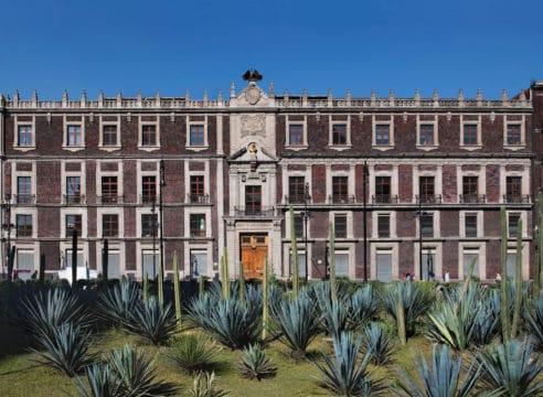 Del Palacio de Axayácatl al Nacional Monte de Piedad