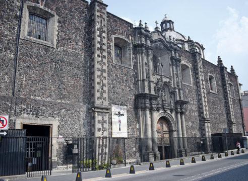 La Iglesia donde se venera al Señor de los Trabajos