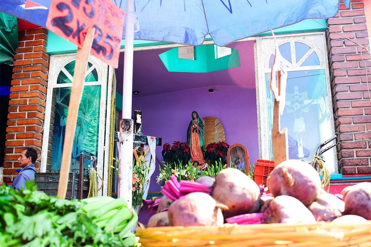 La Central de Abasto tiene más de 3,500 imágenes de la Virgen de Guadalupe. Foto: Ricardo Sánchez