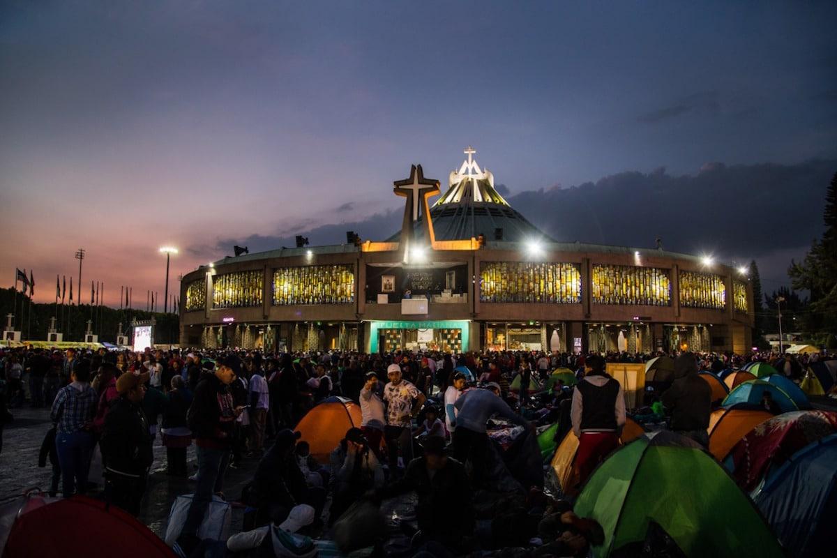 La Basílica de Guadalupe durante las vísperas solemnes. Foto: María Langarica