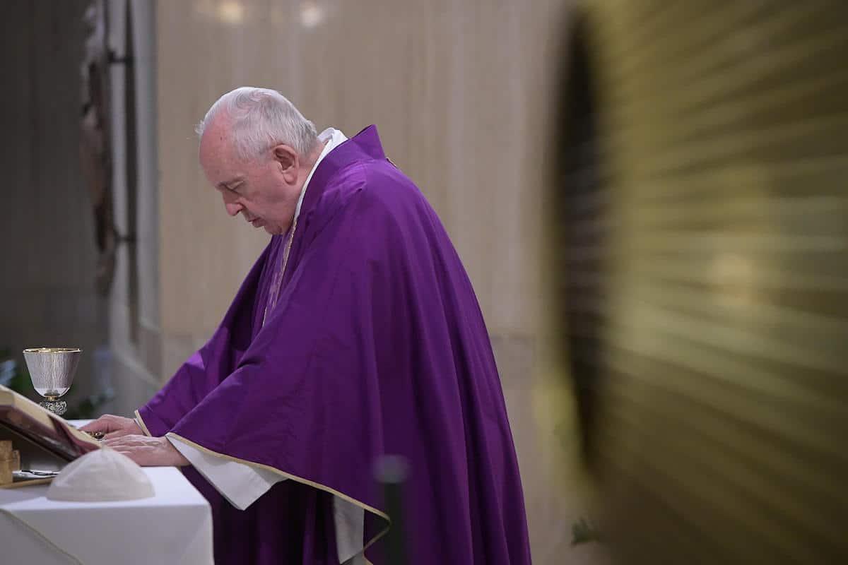 El Papa Francisco en la Capilla de Santa Marta. Foto: Vatican Media