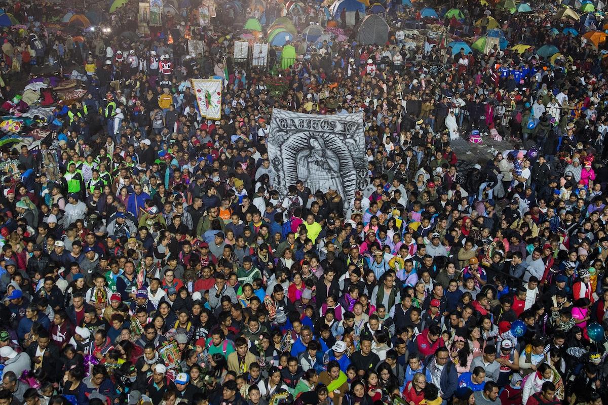 Peregrinos en el Atrio de las Américas de la Basílica de Guadalupe en diciembre de 2018. Foto: María Langarica
