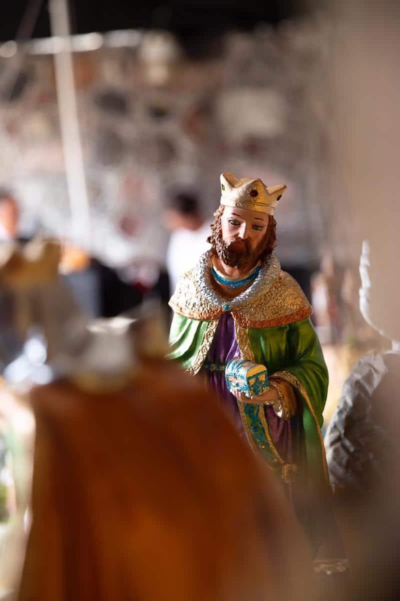 Figura de los Reyes Magos en el Nacimiento o Pesebre navideño. Foto: María Langarica