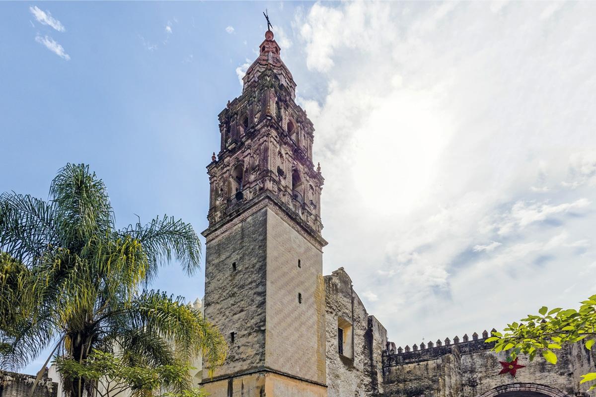 La Catedral de Cuernavaca.
