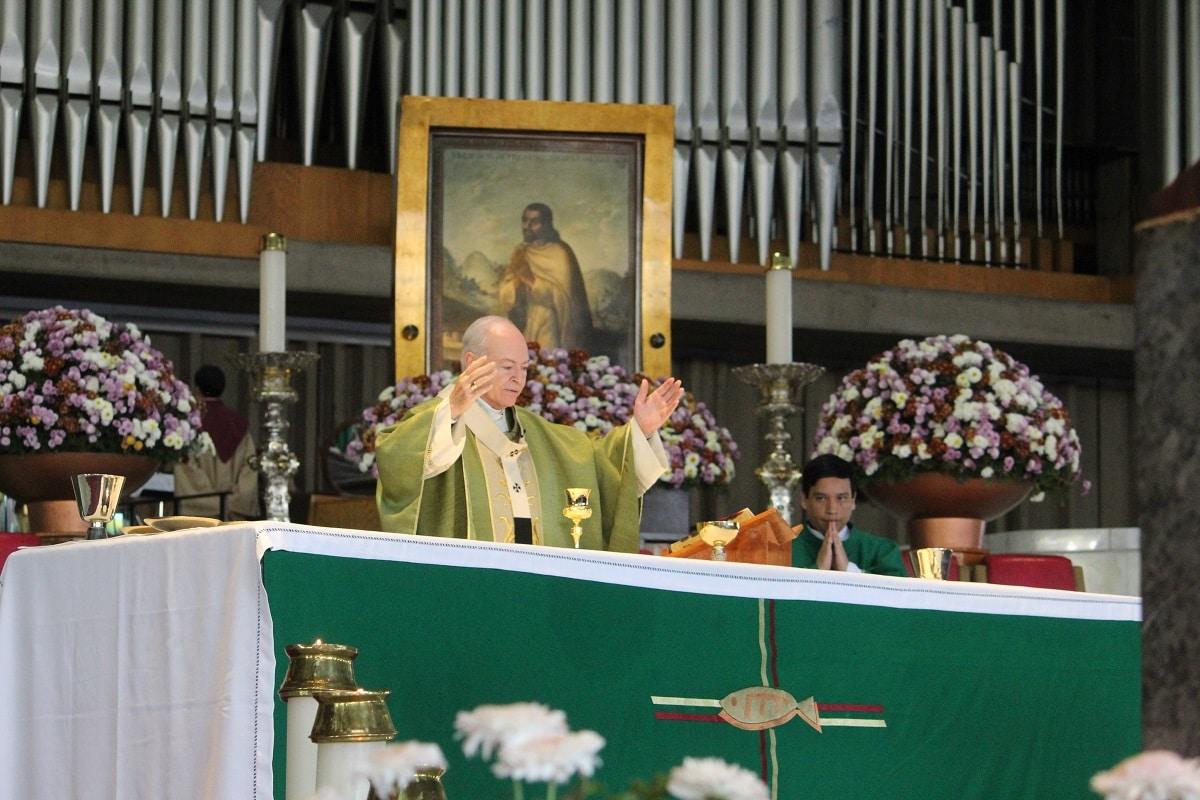 El Arzobispo Carlos Aguiar Retes en la Basílica de Gudalupe. Foto: INBG/Cortesía.