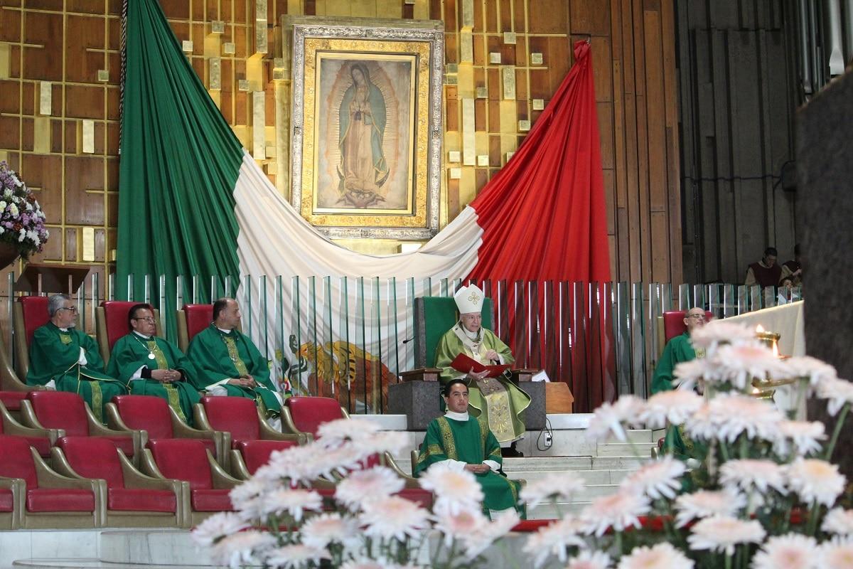 El Arzobispo Primado de México, Carlos Aguiar Retes en Basílica de Guadalupe. Foto: INBG