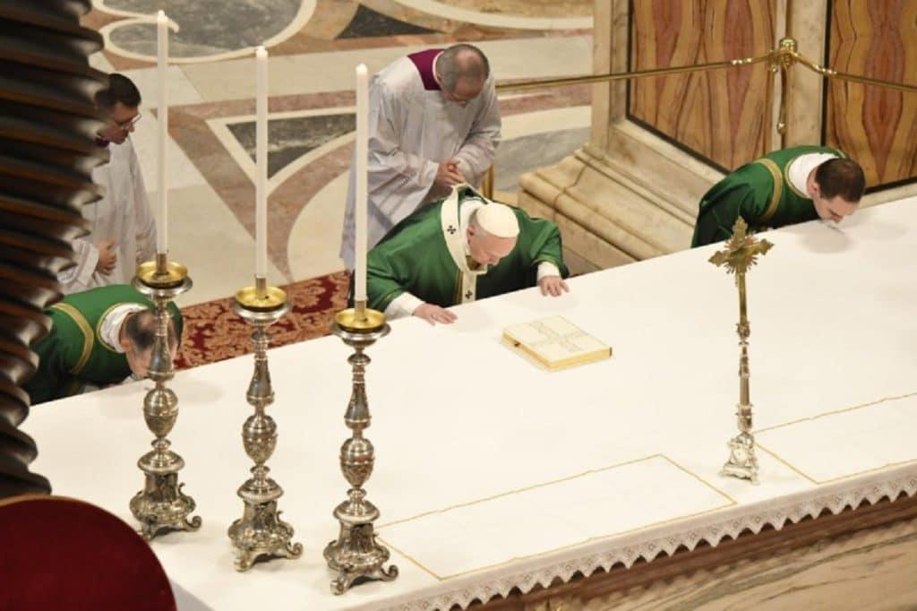 El Papa presidió la Misa por el Domingo de la Palabra de Dios. Foto: Vatican Media.