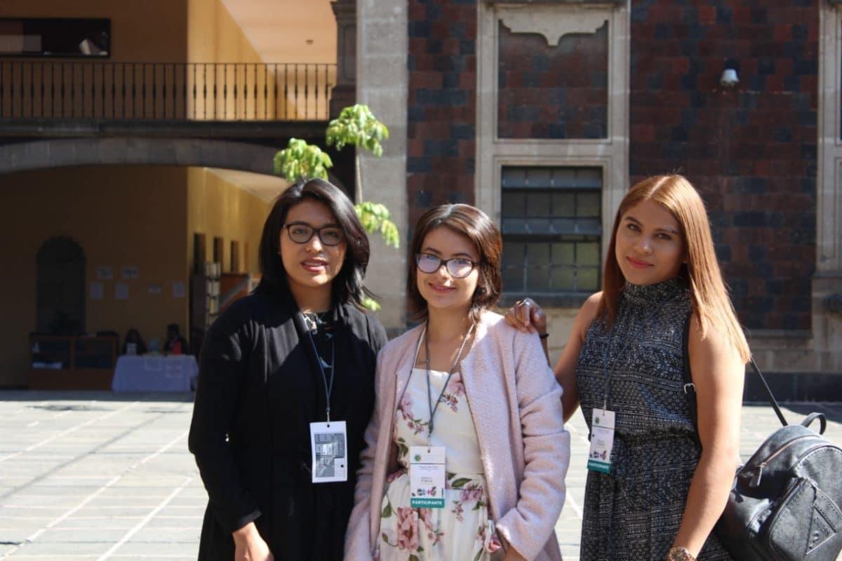 Alumnas de la Universidad Católica Lumen Gentium.