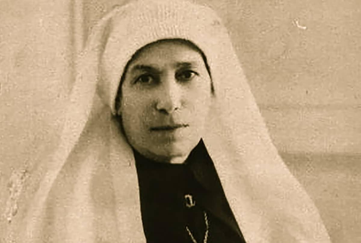 María de Jesús Sacramentado Venegas, fue enfermera y fundadora de la Congregación de las Hijas del Sagrado Corazón de Jesús.