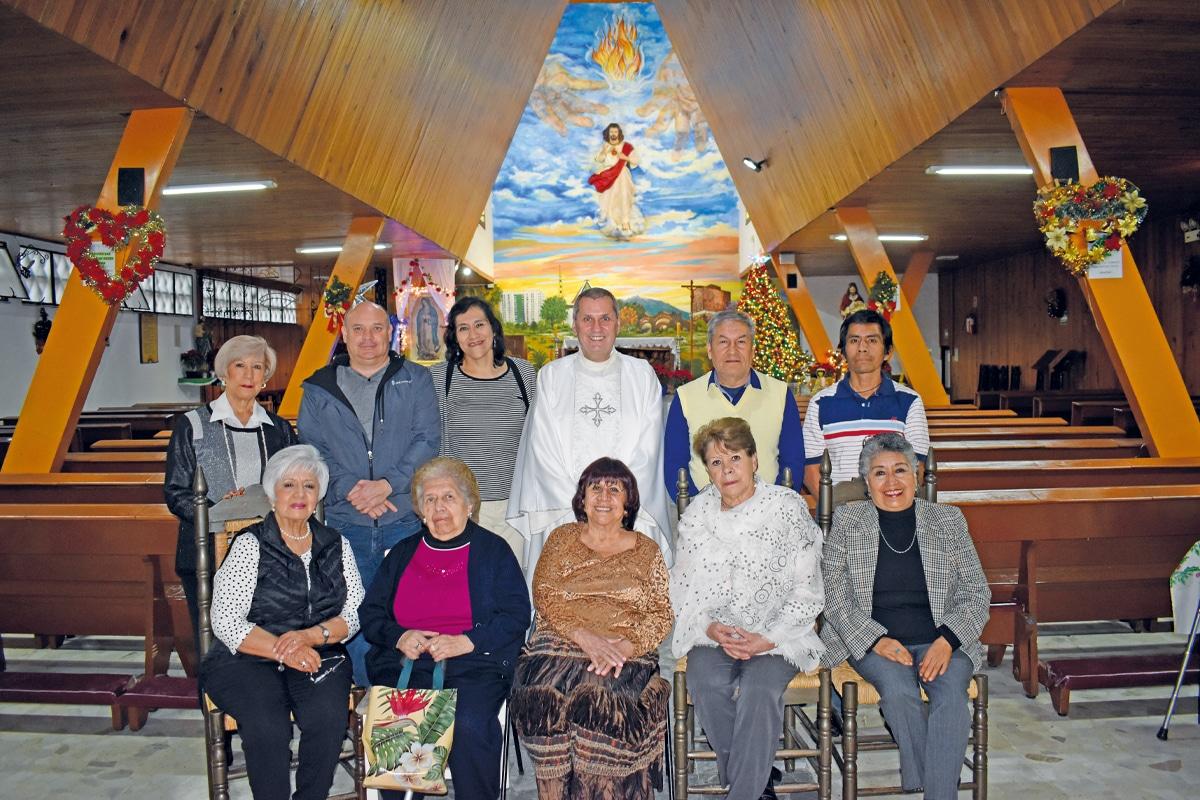 Parroquia del Sagrado Corazón de Jesús.Esta comunidad tiene muy arraigadas sus costumbres y tradiciones religiosas.