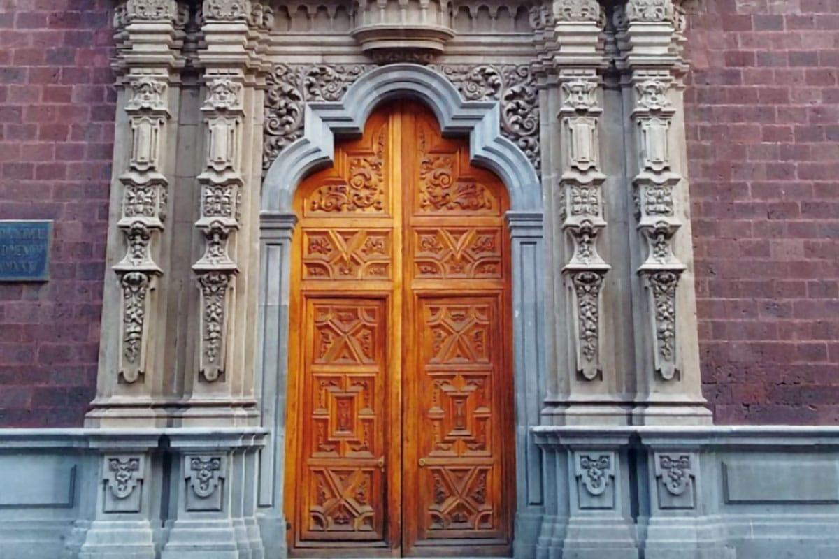 El Antiguo Colegio de San Ildefonso está ubicado en la calle Justo Sierra en el Centro Histórico.