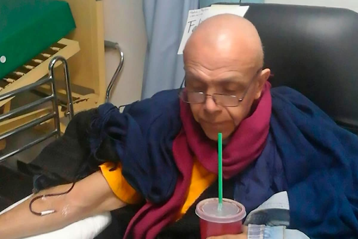 Salvador Mendiola durante su lucha contra el cáncer.