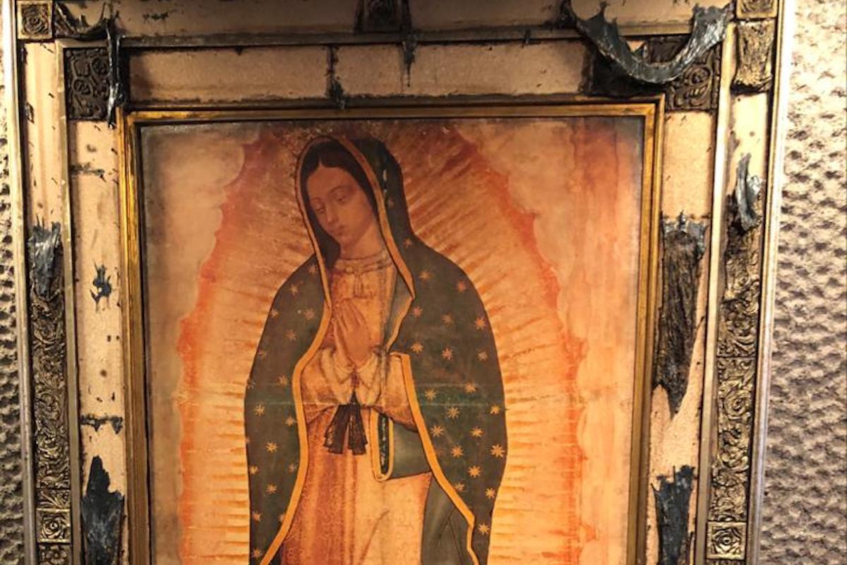 Imagen de la Virgen de Guadalupe sobrevivió a un incendio