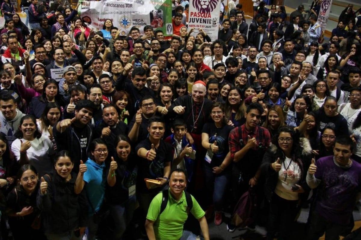 Reunión del Cardenal Aguiar con jóvenes. Foto: María Langarica