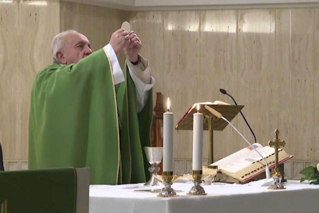 Papa Francisco en su homilía del 4 de febrero. Foto Vatican Media