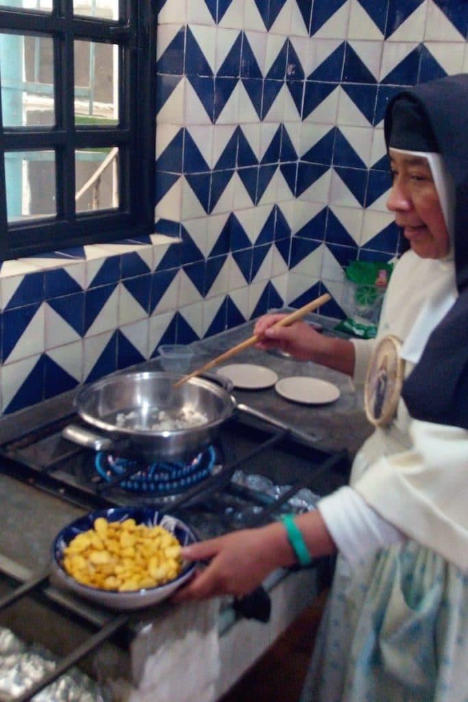 La comida de Cuaresma se distingue por la abstinencia de ingerir carne. Foto Cynthia Fabila