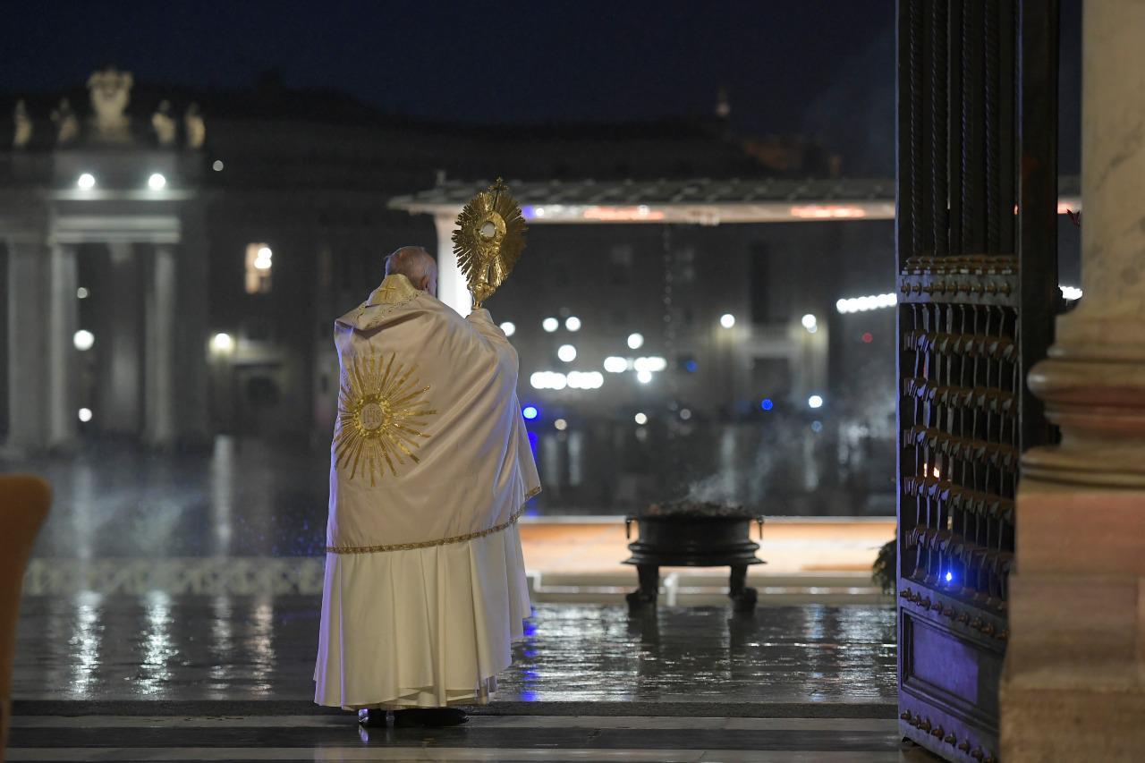 Bendición Urbi et Orbi. Foto: Vatican Media.