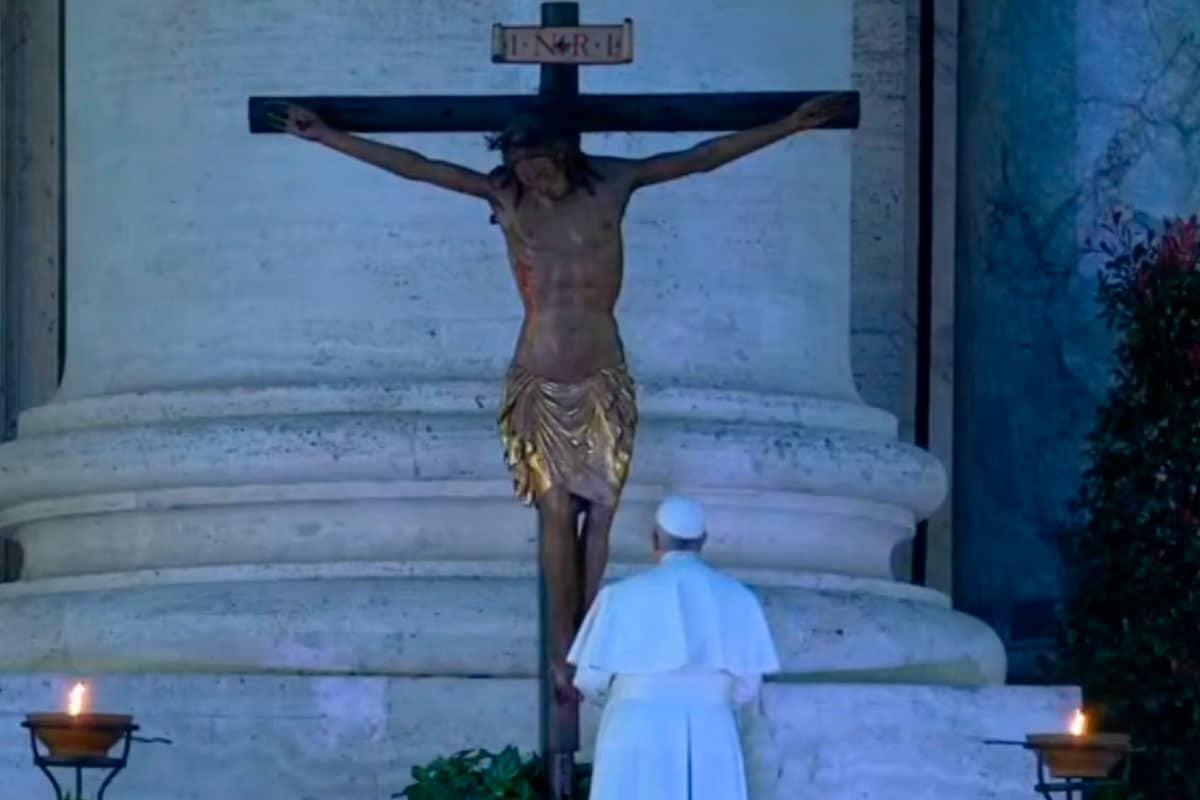 Papa y el Cristo de la peste