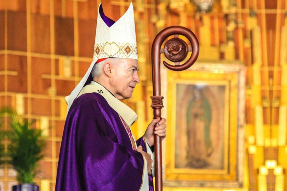 Arzobispo Carlos Aguiar Retes en la Basílica de Guadalupe. Foto: Cortesía INBG