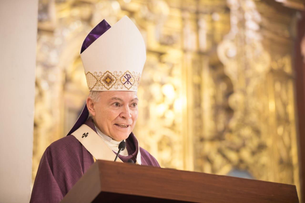 El Arzobispo Primado, Carlos Aguiar, preside la Misa en San Jacinto. Foto: María Langarica.