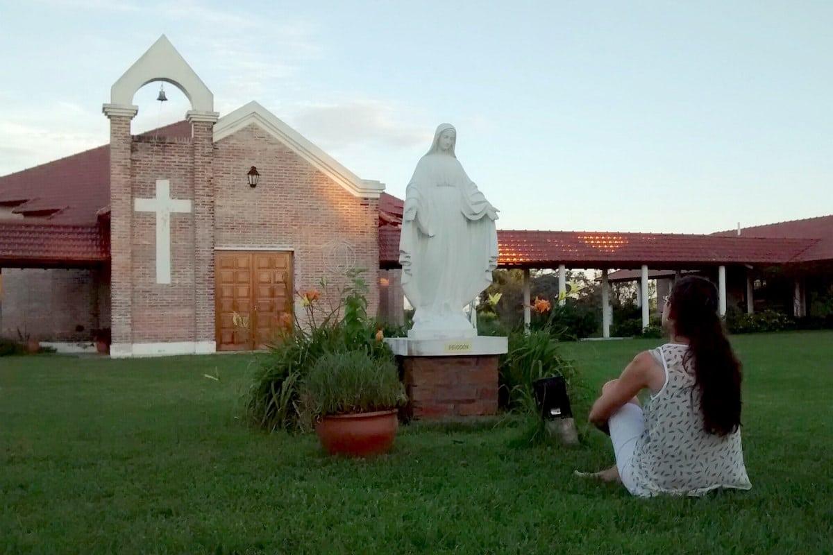 ¿Es posible creer en Dios, pero no en la Iglesia? Foto: Cathopic