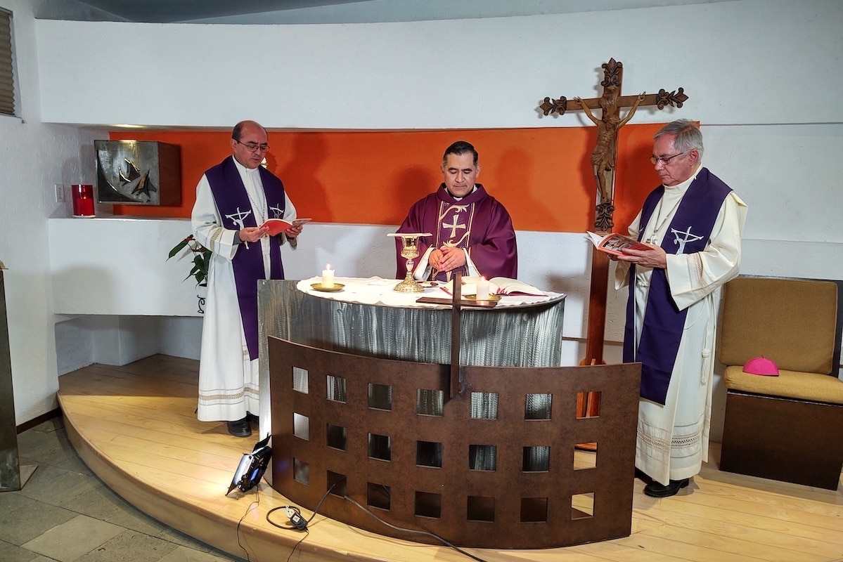 Testimoniar a Dios ante la actual pandemia, pide Obispo Auxiliar.