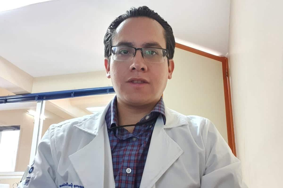 Dr. Amaury Gutiérrez, señala que su fe lo ha ayudado a ser mejor médico. Foto Cortesía