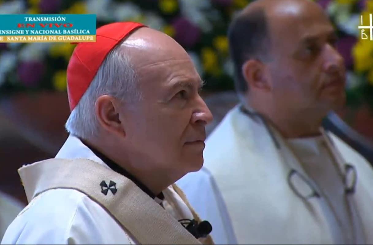El Arzobispo Carlos Aguiar Retes en la Basílica de Guadalupe.