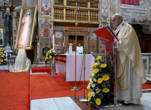 El Papa Francisco celebrará el Domingo de la Divina Misericordia 2021