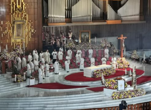 Homilía del Arzobispo Aguiar en el Domingo de Resurrección