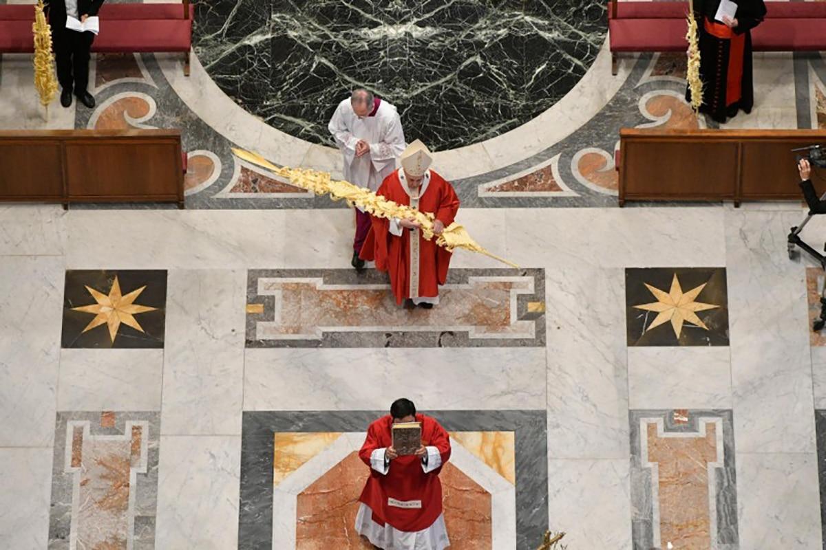 La celebración del Domingo de Ramos 2020 en el Vaticano fue sin la presencia física de fieles. Foto: Vatican Media.