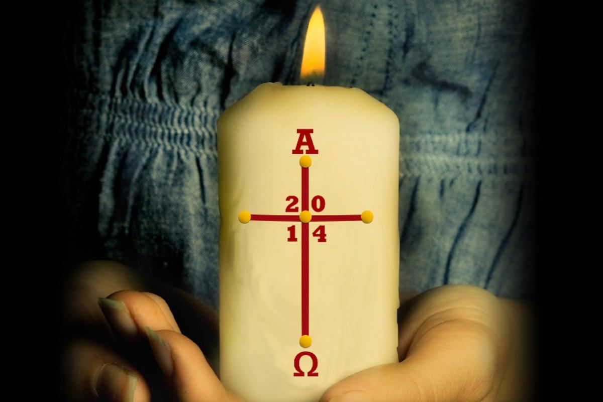 El cirio representa a Jesús, que es Luz para todas las naciones.
