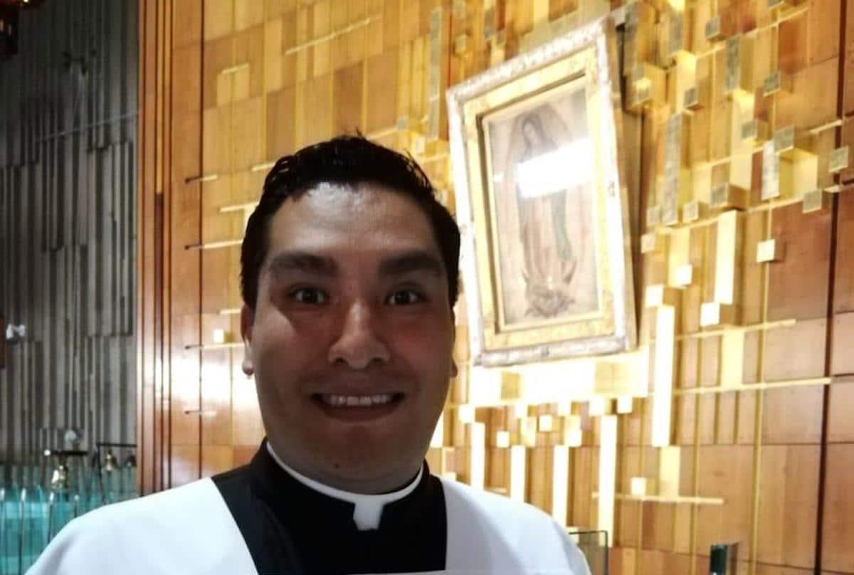 El seminarista Sergio Zambrano en la Basílica de Guadalupe