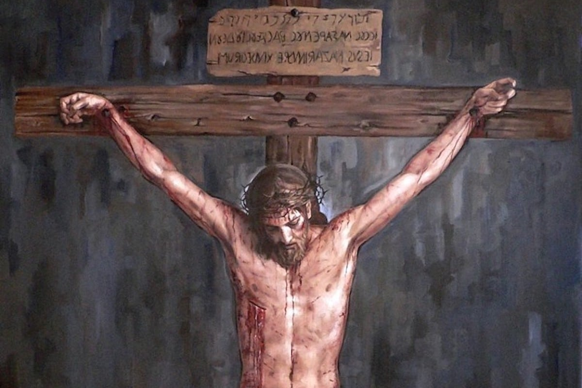 Jesús muere en la cruz en la XII estación del viacrucis.