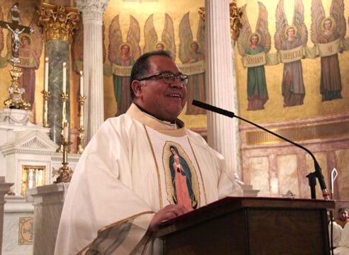 Sacerdote mexicano sustituirá al P. Jorge, fallecido por COVID-19 en EU
