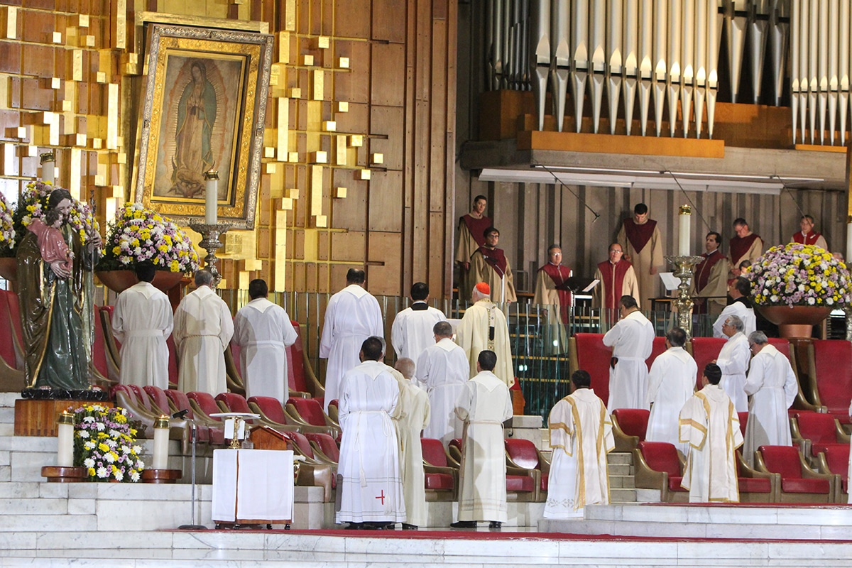 El Arzobispo Primado de México, Carlos Aguiar, dirigió a la Virgen de Guadalupe la oración que el Papa Francisco dio a conocer por la Laudato si'. Foto: INBG/Cortesía.