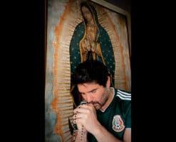 Cómo fue que el Rosario cambió la vida de Eduardo Verástegui