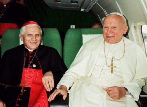 Benedicto XVI reflexiona sobre la grandeza de san Juan Pablo II