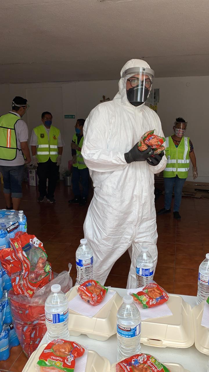 Los voluntarios siguen todas las medidas sanitrias.