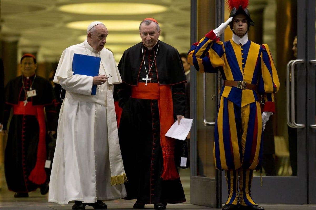 Monseñor Pietro Parolin con el Papa Francisco.