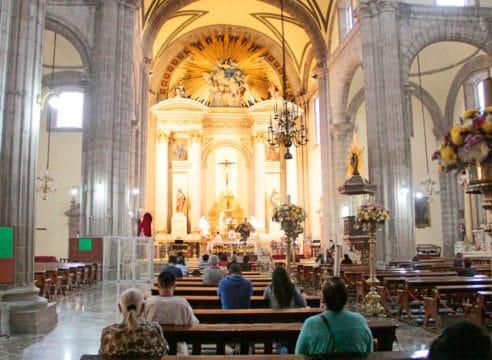 Sagrario Metropolitano, una parroquia que da formación virtual a fieles