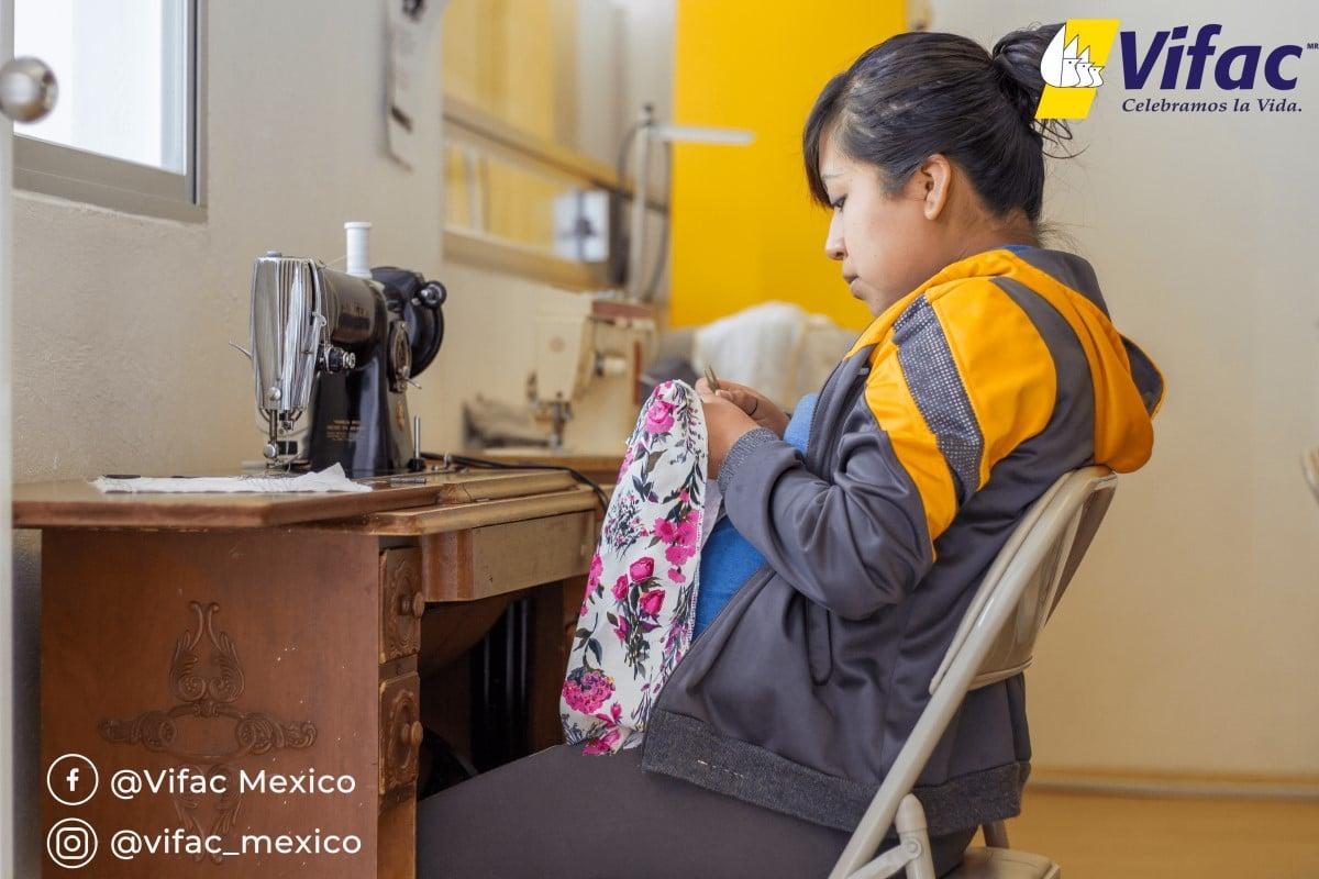 Vifac capacita a las madres para el mercado laboral. Foto: Cortesía Vifac