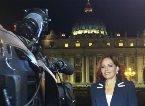 Valentina Alazraki, la reportera mexicana que acompañó a Juan Pablo II
