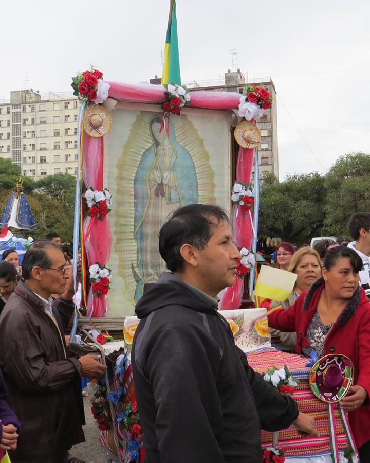 Devotos de la Virgen de Guadalupe en Argentina. Foto: Carlos Villa Roiz