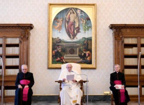 """""""No podemos cerrar los ojos ante el racismo"""": Papa Francisco"""