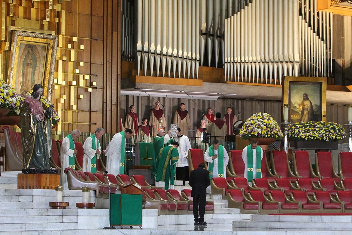El Arzobispo Carlos Aguiar preside la Misa en la Basílica de Guadalupe. Foto: INBG/Cortesía.