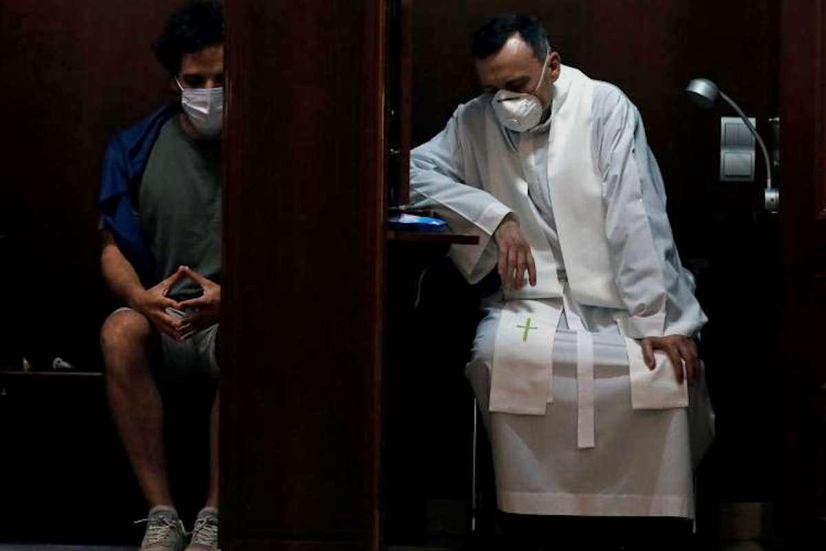 El Sacramento de la Confesión experimentará algunos cambios mientras la pandemia de COVID-19 esté latente.